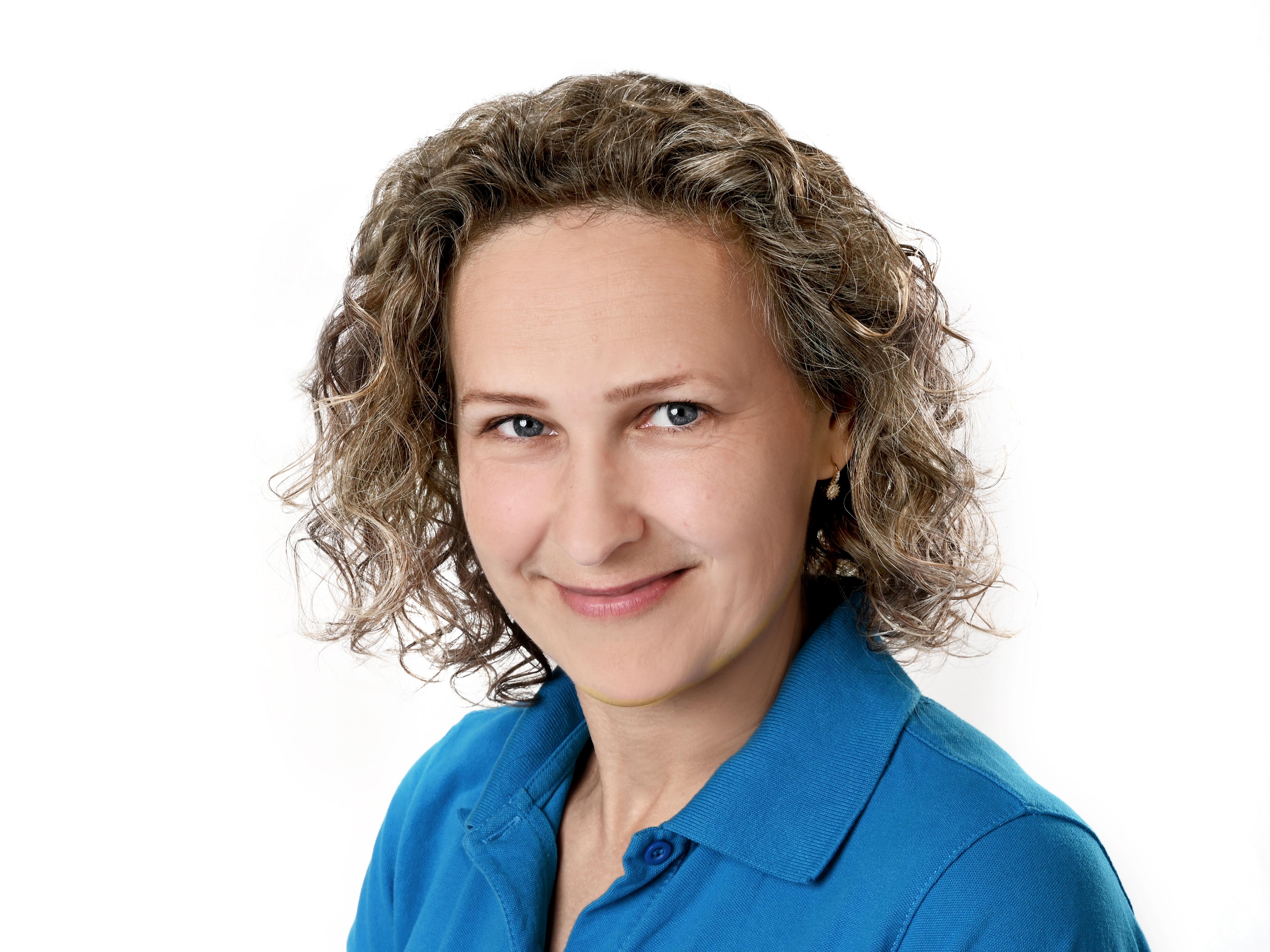 <b>Eva Bajzová</b>